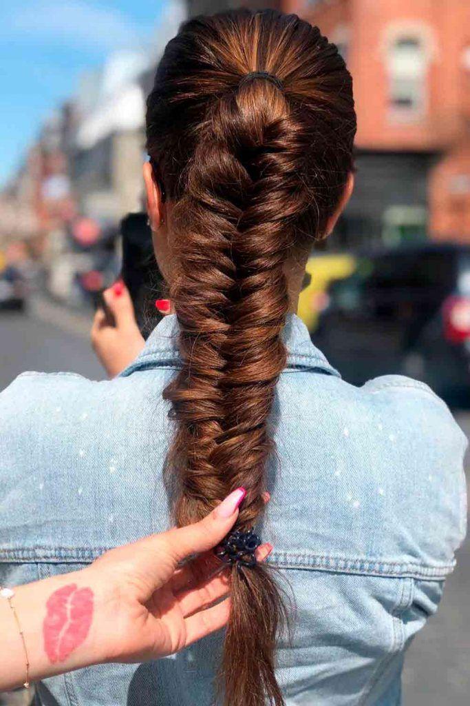 Messy Ponytail Braid, fish bone braids, how to do a fishbone braid, fishbone braid styles