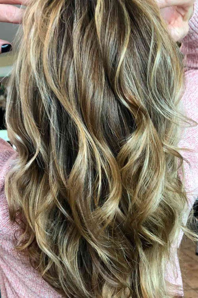 Layered Dark Brown Hair With Blonde Highlights, dirty blonde hair with highlights, blonde balayage highlights, dark blonde with highlights