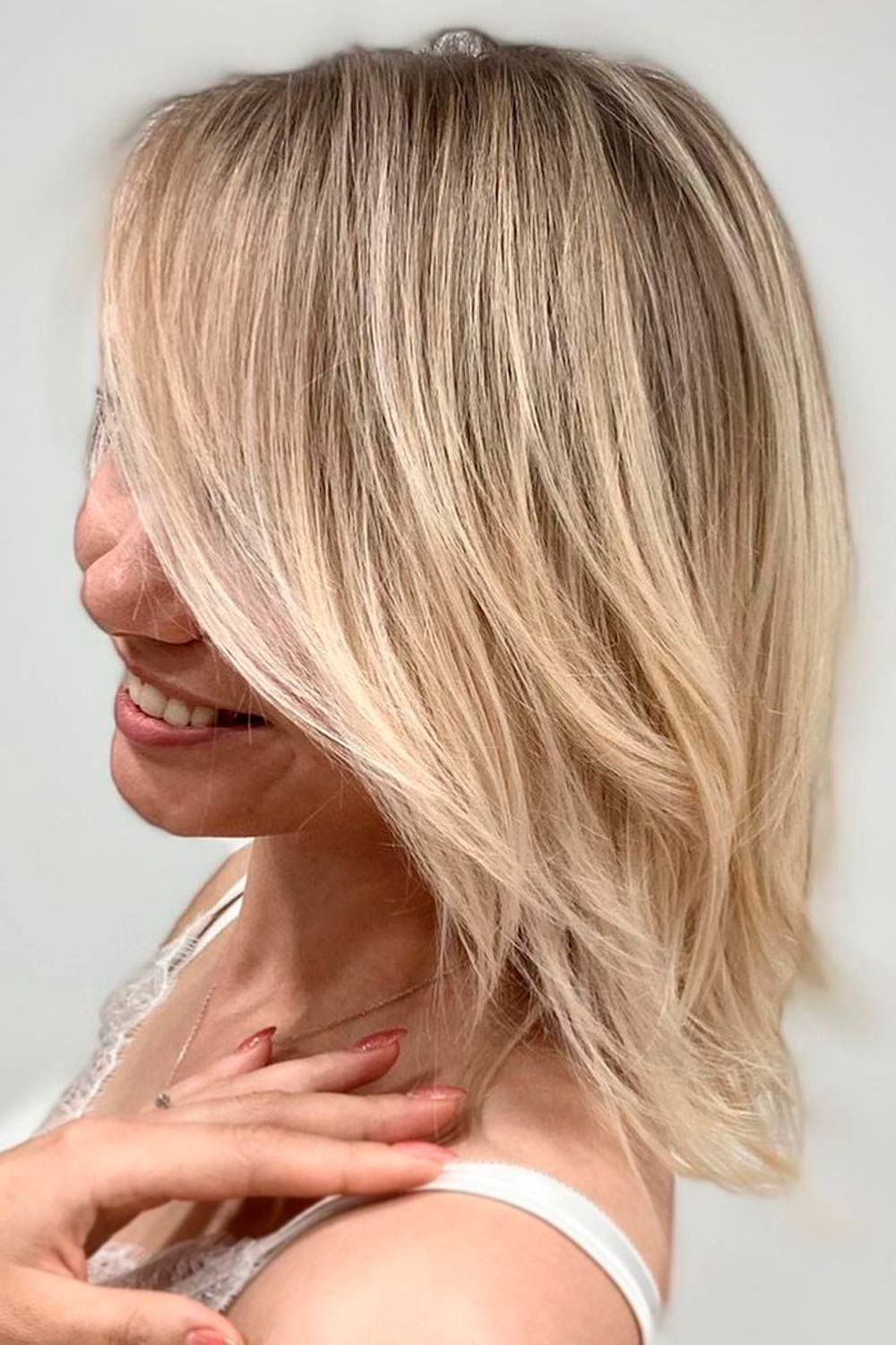 Blonde Lob With Bang, hairstyles for thin hair women over 40, short haircuts for women over 40, bob haircuts for women over 40