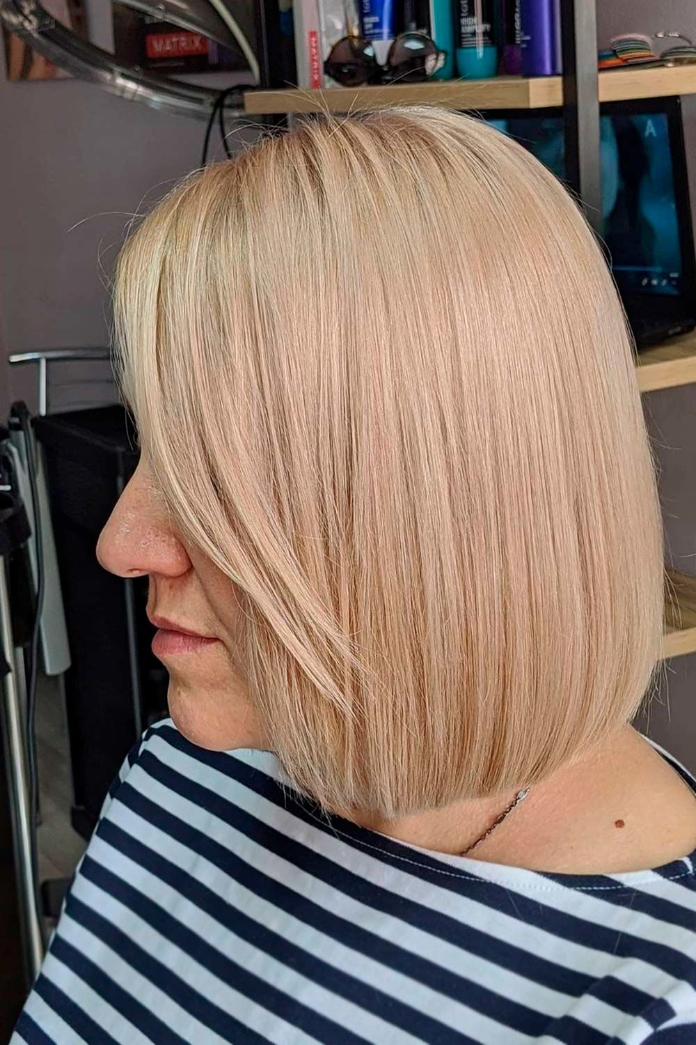Straight Blonde Bob, haircuts for women over 40, hairstyles for black women over 40, hairstyles for plus size women over 40