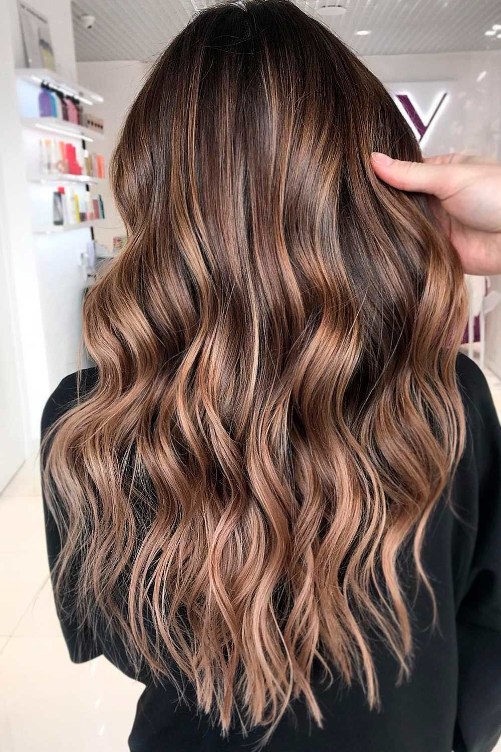 Amazing Highlights, chocolate brown hair with blonde highlights, highlight for dark hair, short dark hair with highlights