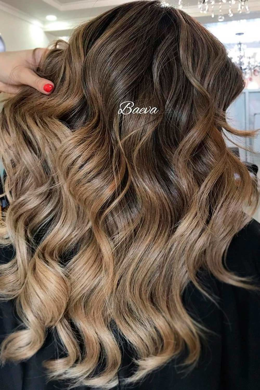 Silvery Blonde Highlights On Chestnut Brown Hair , hair highlights for dark hair, best highlights for dark brown hair, chocolate brown hair with blonde highlights