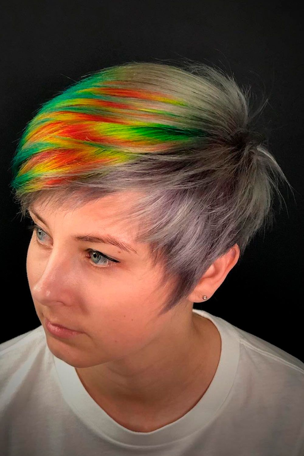 Iridescent Super Short Bob, ombre straight short hair, short hair blonde ombre, ombre on short hair