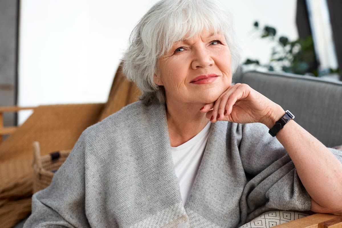 Perfect Short Haircuts For Older Women