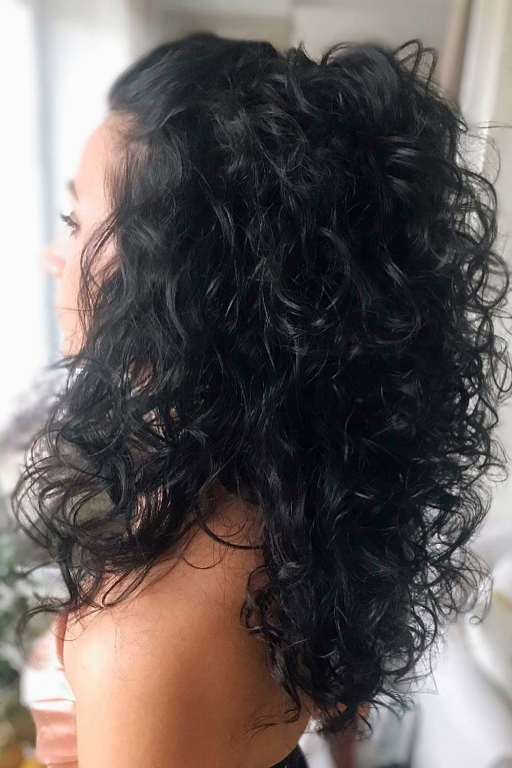 Amazing Styles That You Can Do With Your Long Curly Hair
