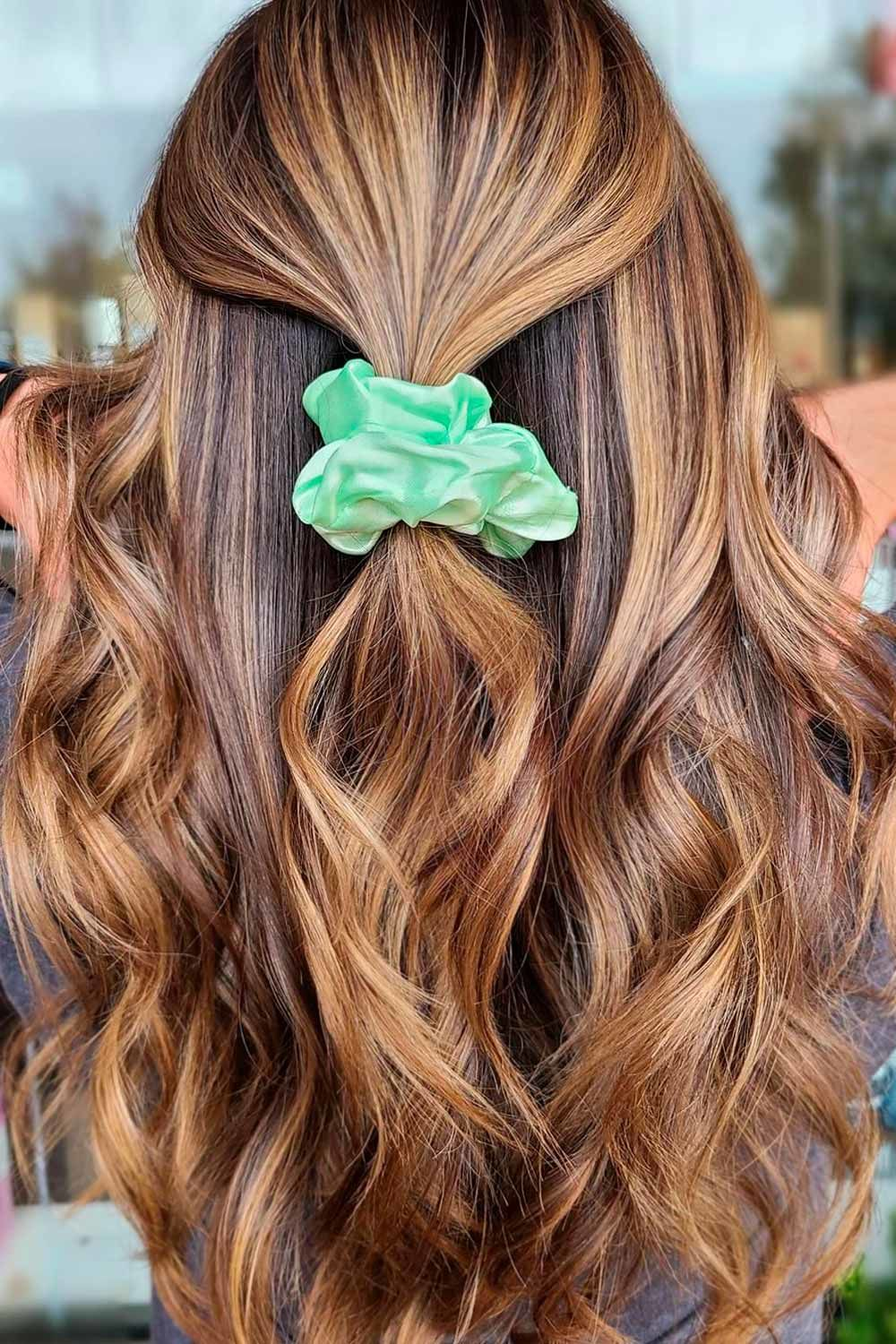 Half Up Hairstyle, best hairstyles for heart shaped face, best hairstyle for heart shaped face