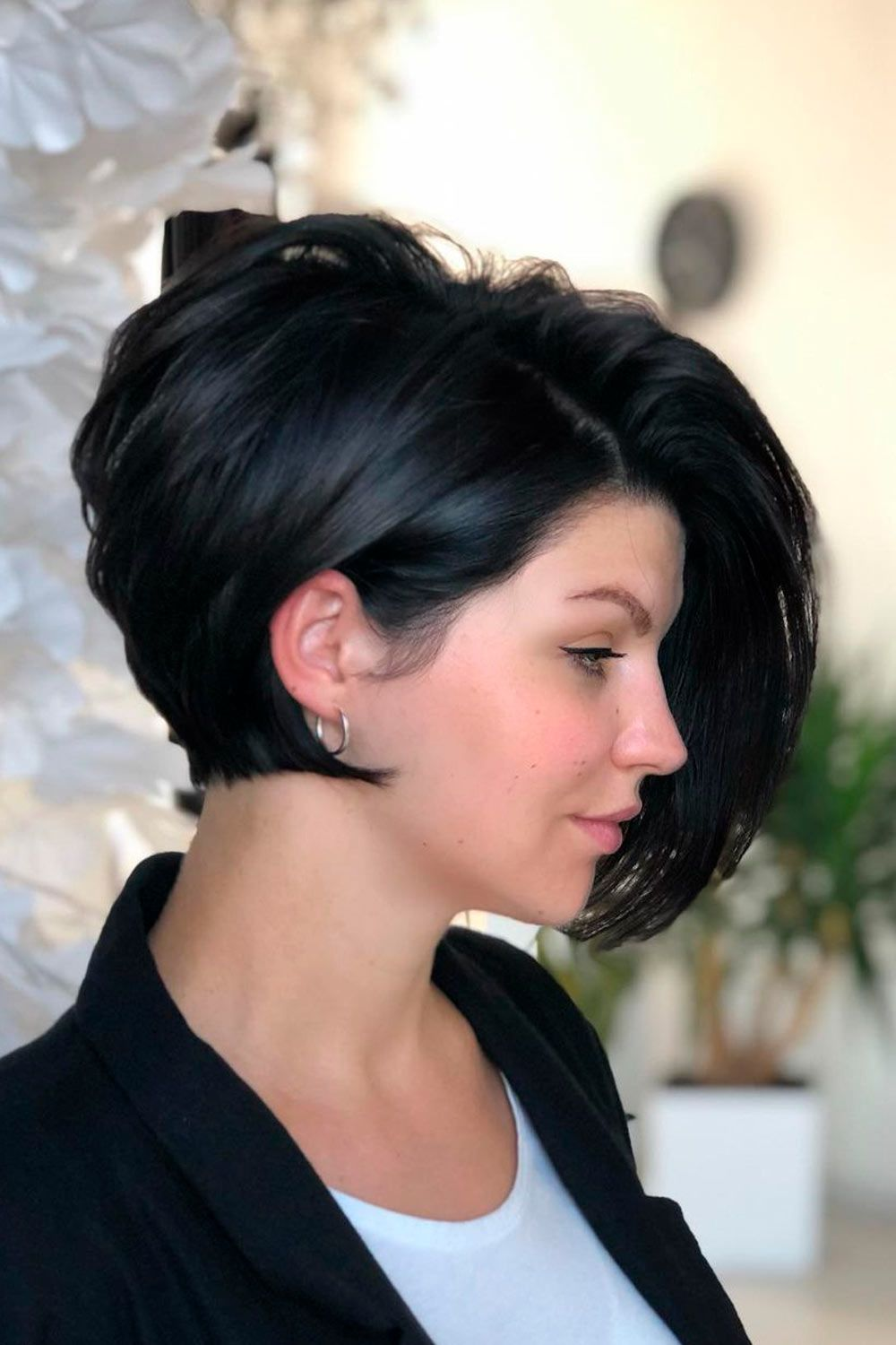 Layered Short Hairstyles For Round Faces, short haircuts for round faces, pixie cut round face, short hair for round faces