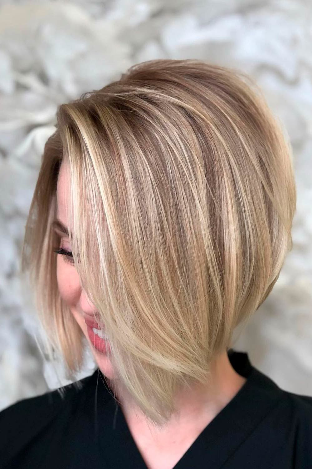 Short To Medium Hairstyles For Round Face Shape, short edgy hairstyles for women with round faces, short choppy hairstyles for round faces, short hairstyles for older round faces