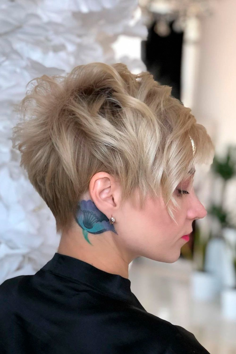 Layered Short Hairstyles, short naturally curly hairstyles for round faces, short afro hairstyles for round faces, short edgy hairstyles for women with round faces