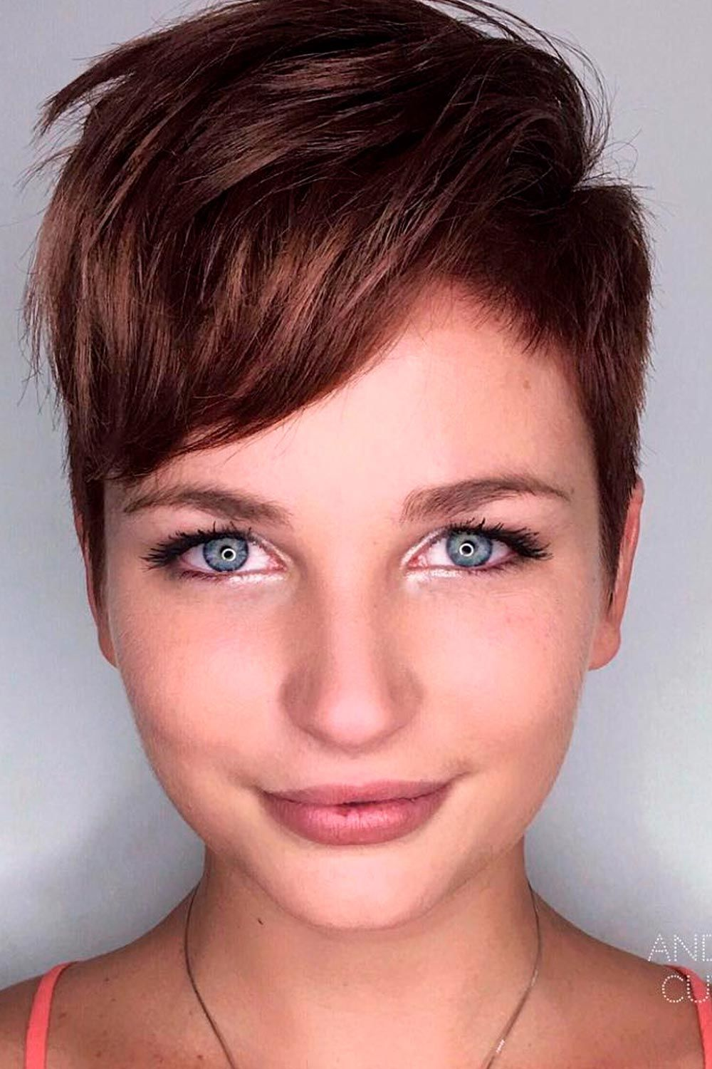 Asymmetry Is The Best Choice, haircuts for chubby faces, shaggy haircut for round faces