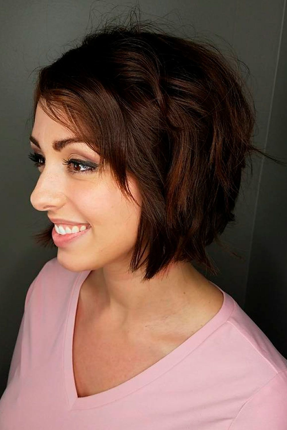 Top Tips For Choosing Right Short Hairstyles For Round Faces, round face short hair cuts, short haircuts for fat faces