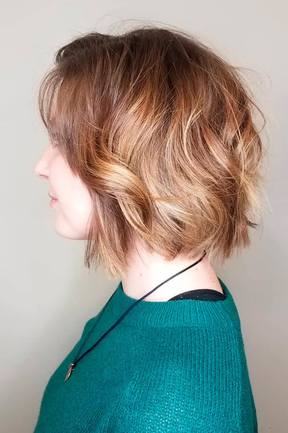 Curly Short Hairstyle For Round Faces, short hairstyles for women with round faces, short naturally curly hairstyles for round faces