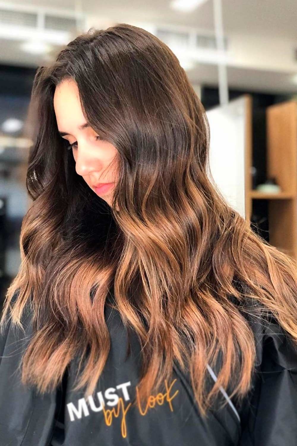 Gorg Brown Hair With Highlights