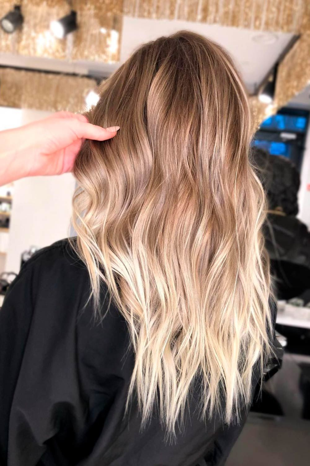U-Shaped Cut With Classic Layers
