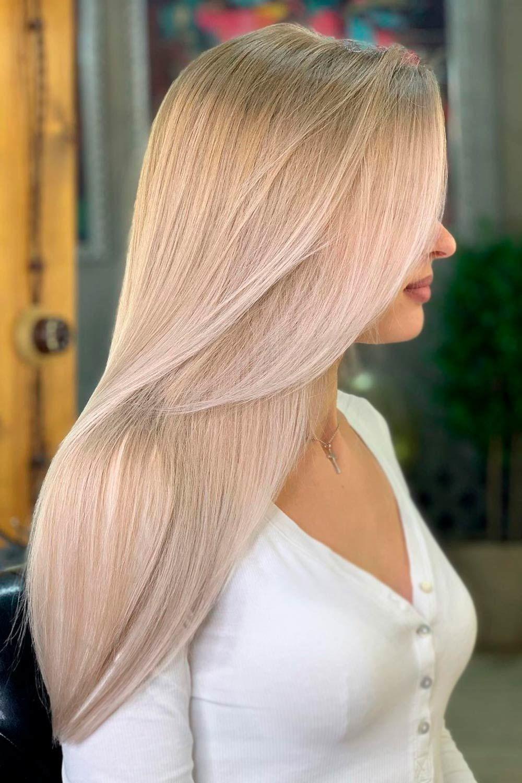 Chic Layered Straight Hair