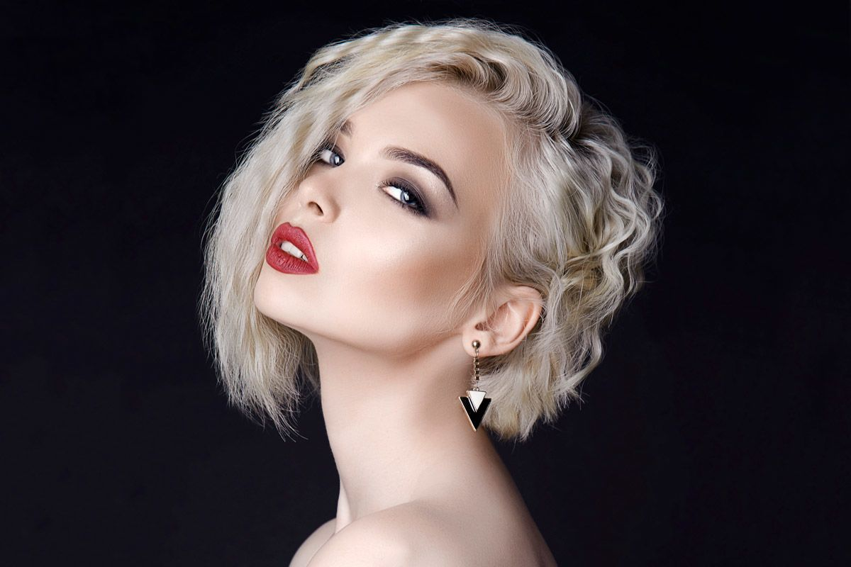 Best Short Hairstyles For Round Faces To Emphasize Your Beauty