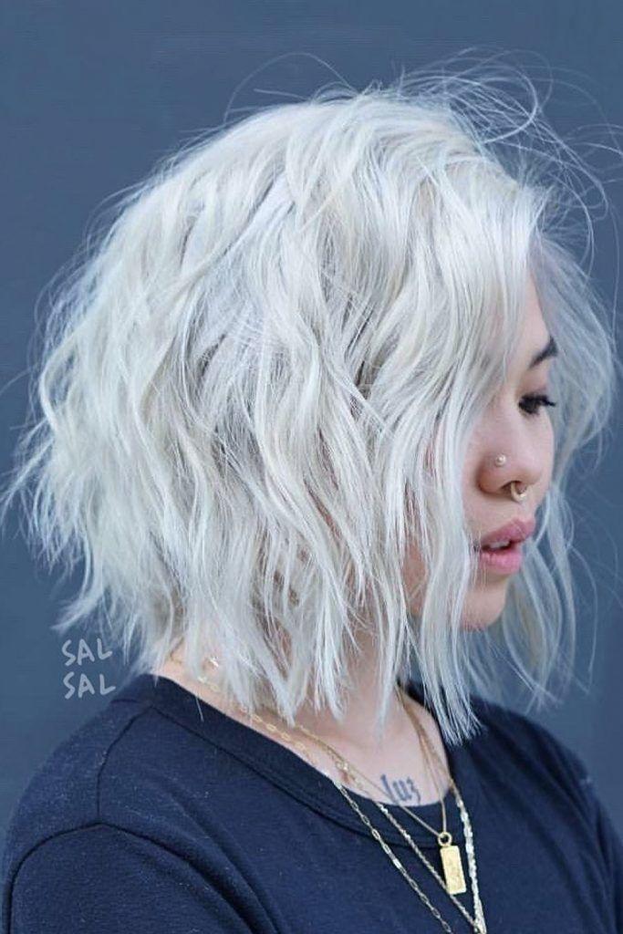 Messy Wavy Ice Blonde Short Bob #shorthaircuts #shorthairstyles #shorthair