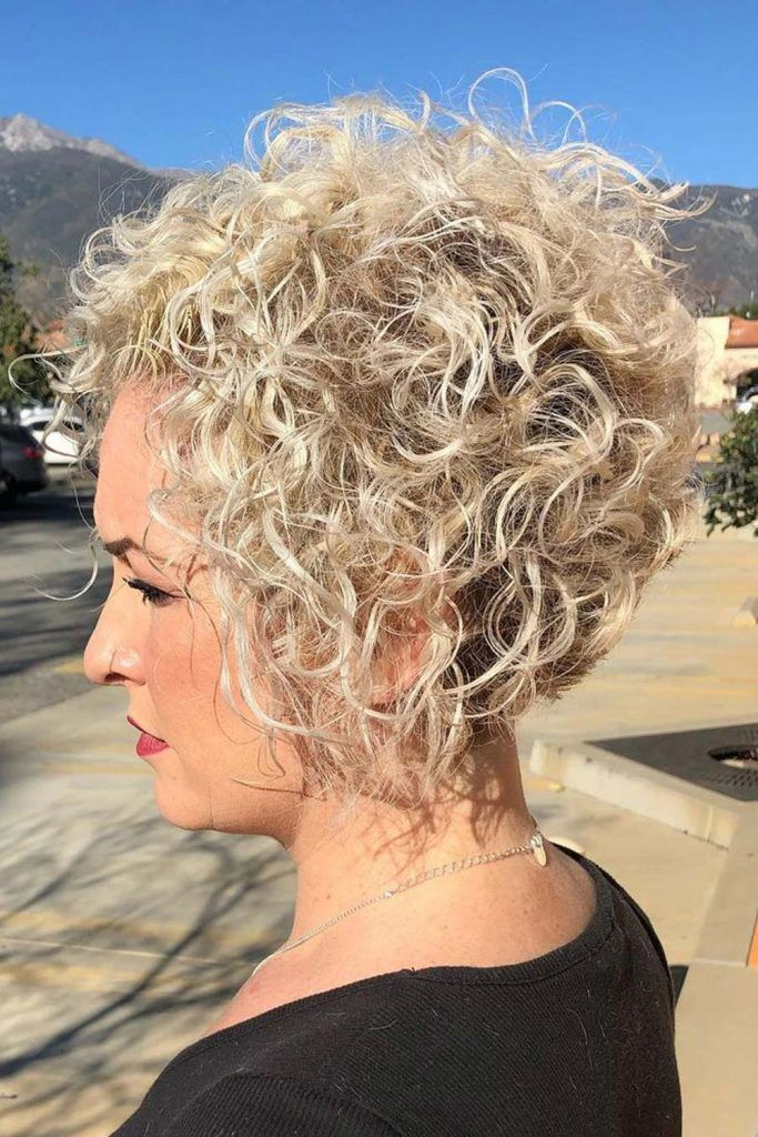 Curly Pixie Bob, pixie-bob haircut, pixie haircut with a bob look, bob pixie hairstyles