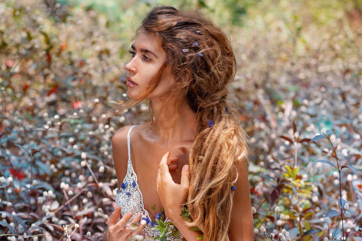 How To Show Off Dreadlocks And Be Beautiful