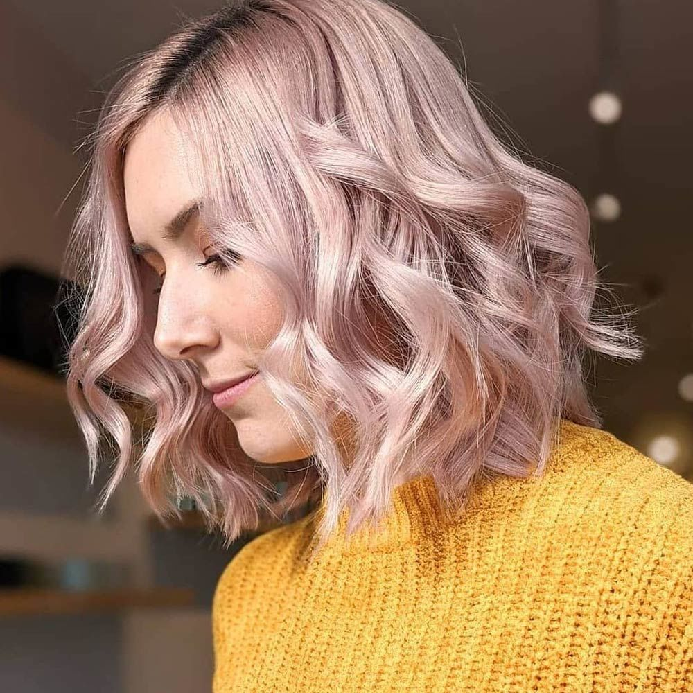 Side-Parted Wavy Rose Bob