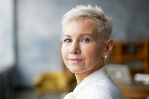 80+ Classic And Elegant Short Hairstyles For Women Over 50 In 2021
