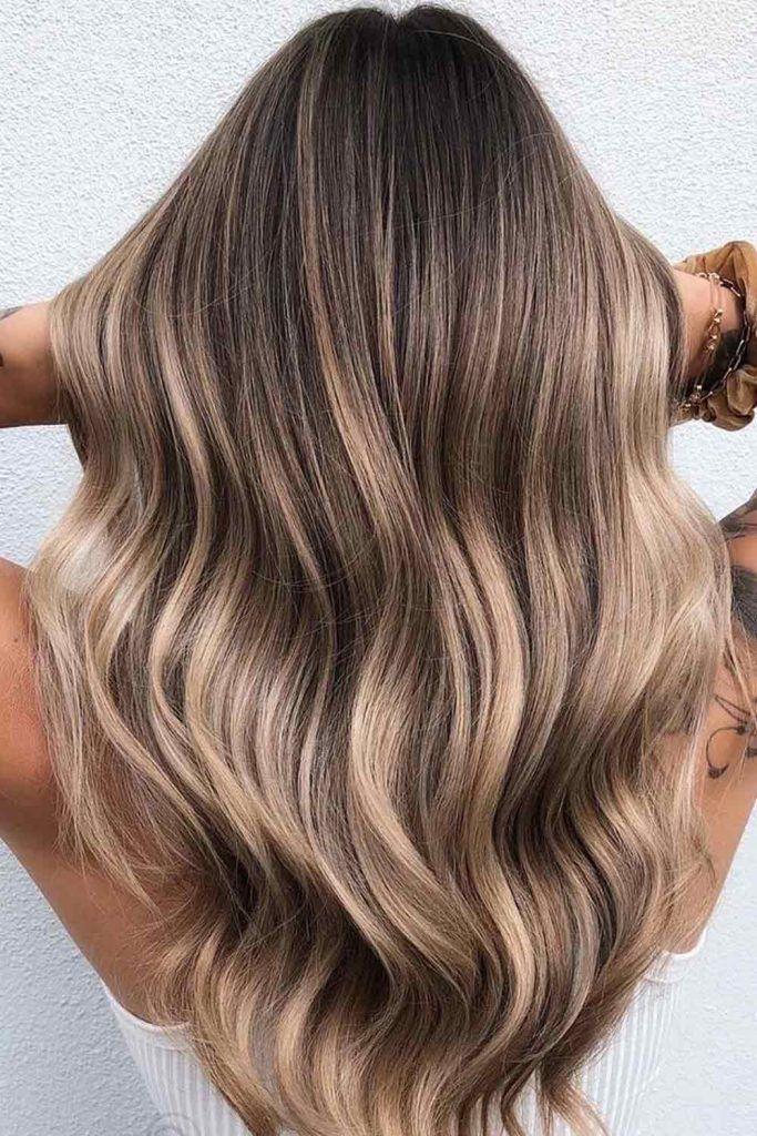 Reasons To Keep A Dark Blonde Hair Color