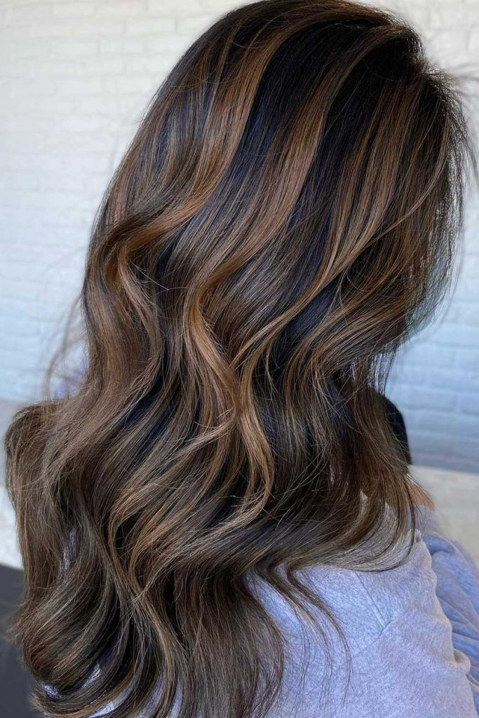 Most Popular Hair Highlight Types: Brown Chunky Highlights