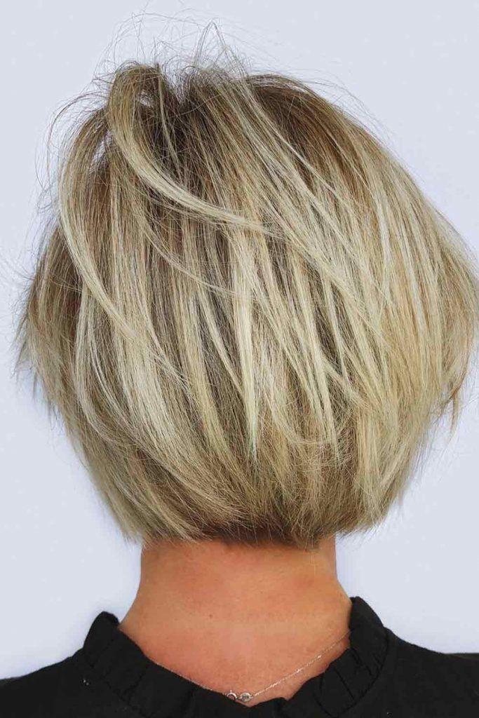 Golden Platinum Blonde Hair With Blonde Lowlights